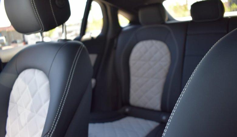 Mercedes-Benz GLC 300d/4matic/tažné/Nový model
