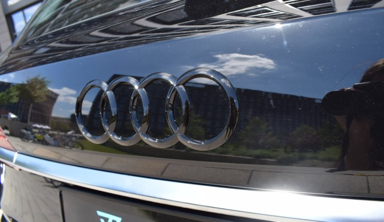 Audi Q7 50TDI quattro/S-line/Keyless