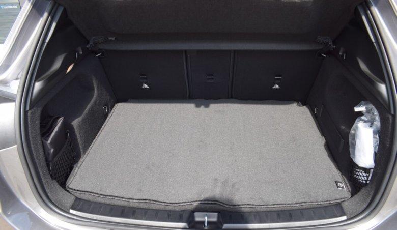 Merdeces-Benz GLA 200d/Keyless/Distronic/4matic