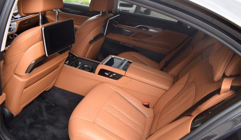 BMW 750Li xdrive/4místná/TV/Full obtion