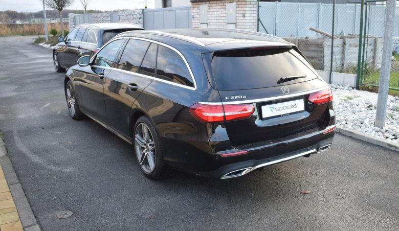 Mercedes Benz E220d kombi/AMG/Head-up