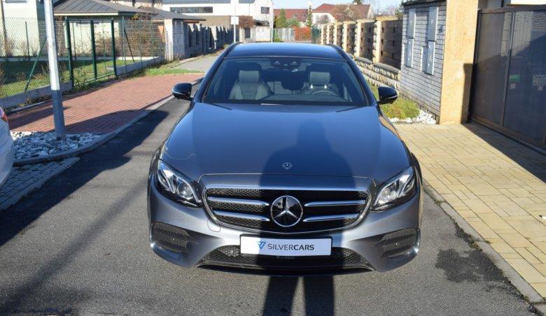 Mercedes Benz E220d kombi/AMG/Head-up/Tažné/Panorama