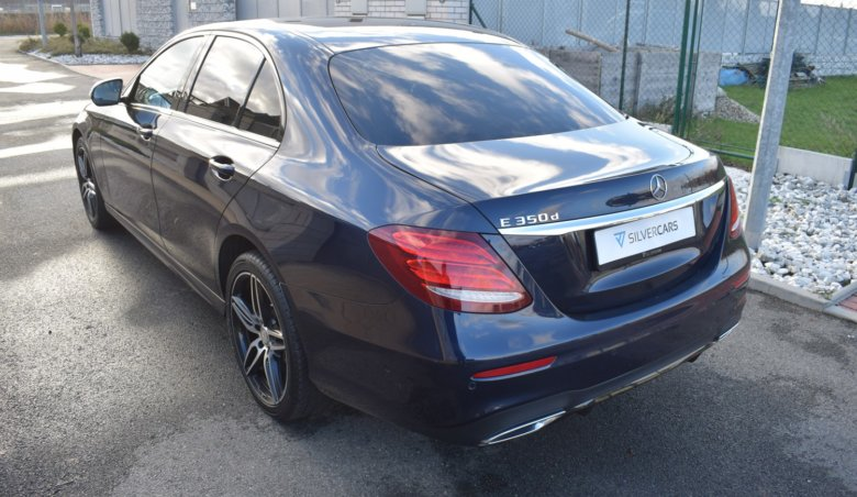 Mercedes Benz E350d sedan/AMG/Distronic/Head-up/Kůže