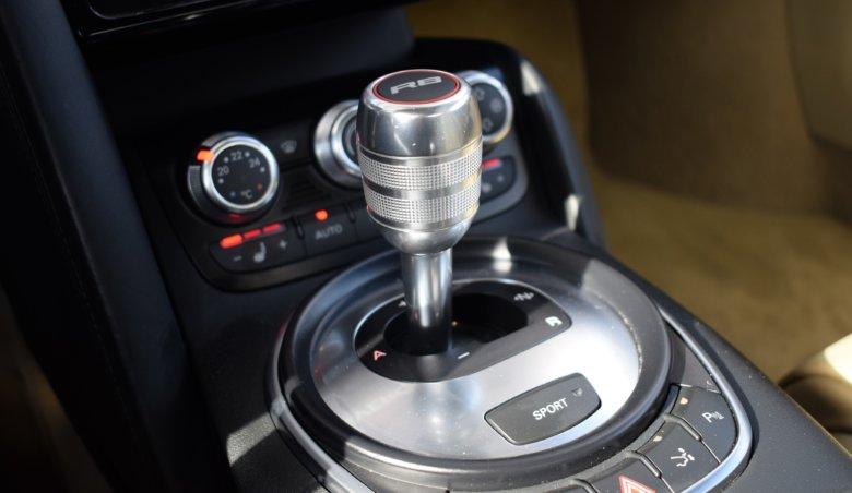 AUDI R8/ V10/ Roadster/ V10/ B&O/ Keramické kotouče