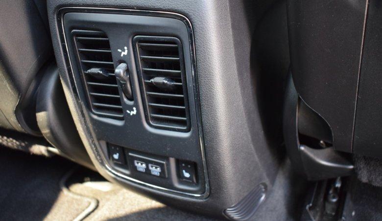 Jeep Grand Cherokee SRT 6,4 V8/ 500 PS/ Adaptivní temp.