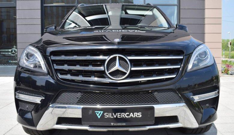 Mercedes-Benz ML 350d / Rear Entertaiment