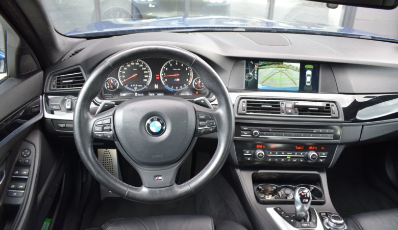 BMW M5 Akrapovič/KeyLess/SoftClose/
