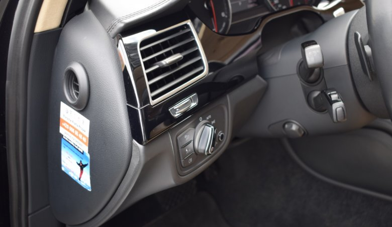 Audi A8 4.2 TDi/3xTV/Business/Plná výbava/4-místná