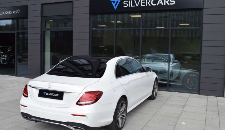 Mercedes Benz E220d /AMG/Head-up