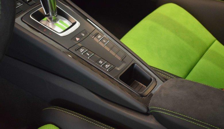 Porsche 911 GT3 RS / Lizard Green/ Ihned k odběru / NEW CAR