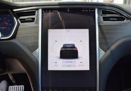 Tesla X P90D 0017