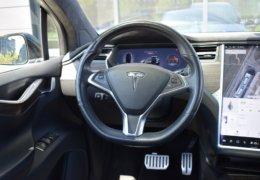Tesla X P90D 0037