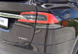 Tesla X P90D 0052